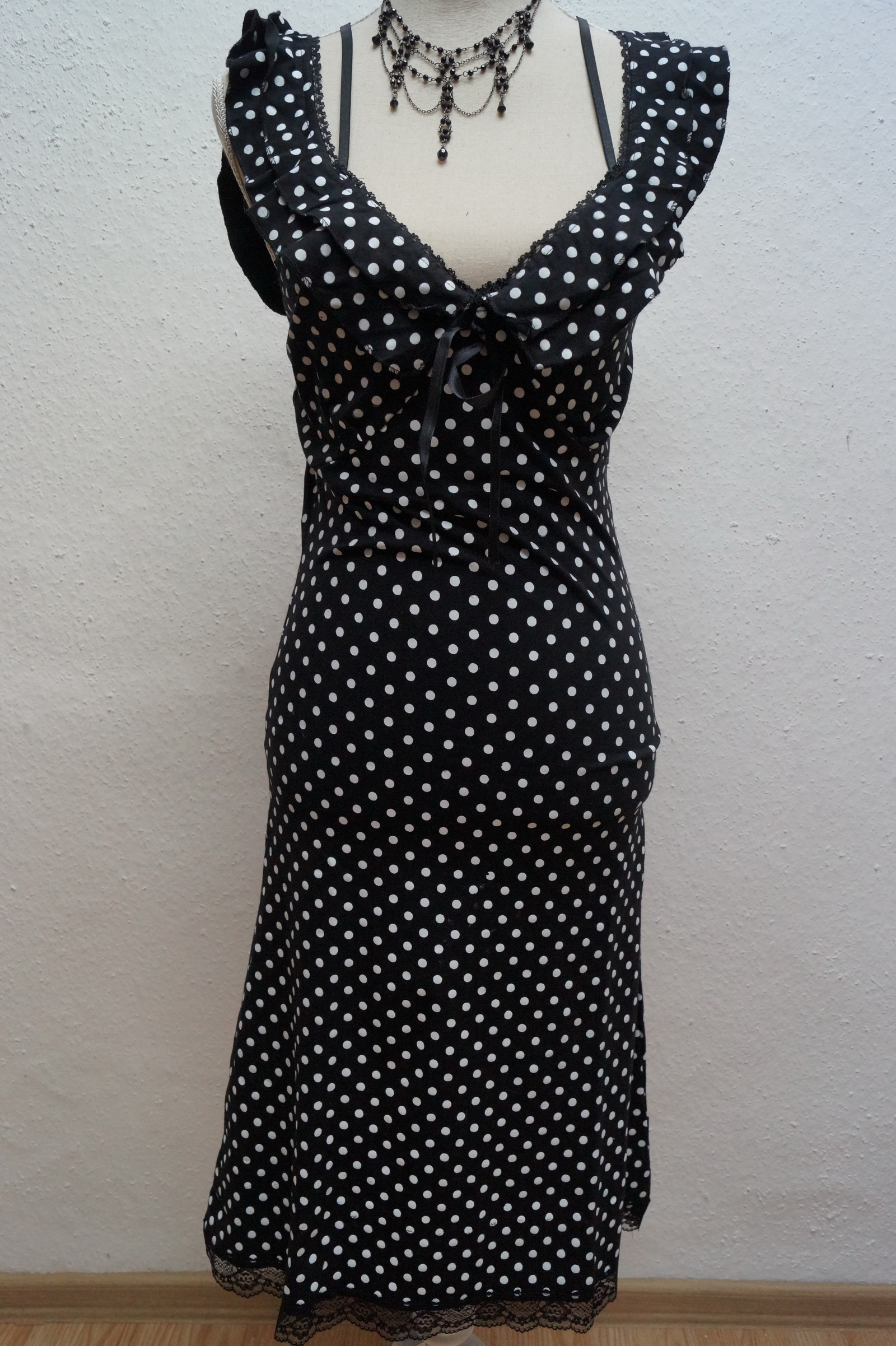 süßes Sommerkleid gepunktet Queen of Darkness Rockabilly Polka Dots Gr.M oder L